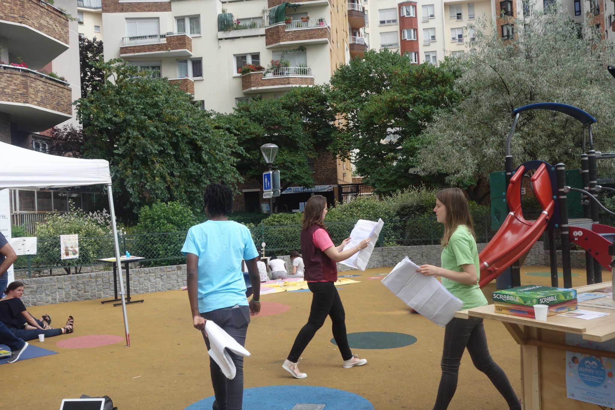 LES LECTEURS à la Bibliothèque Hors les Murs - Square Amadou-Hampâté Bâ - 13 Juillet 2017