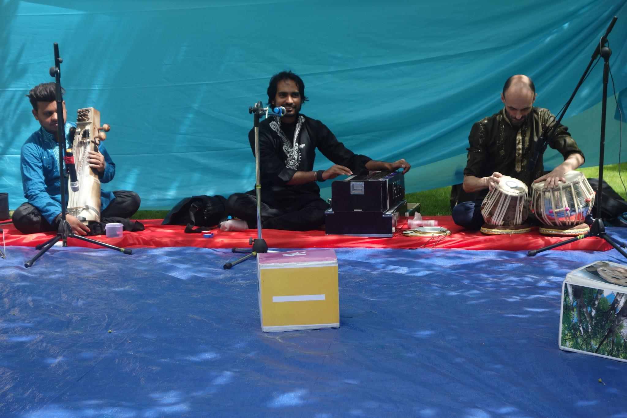 Musique Indienne classique au Tabla et Sarangi avec MOSIN KAWA DUO